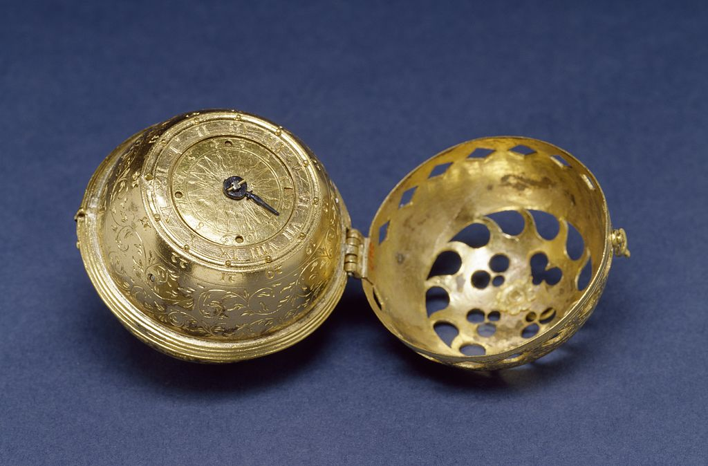 German_-_Spherical_Table_Watch_(Melanchthons_Watch)_-_Walters_5817_-_View_C